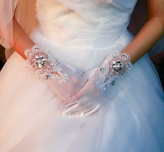 brides wear gloves